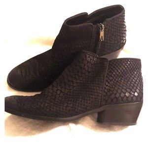 Sam Edelman Black Snakeskin Booties